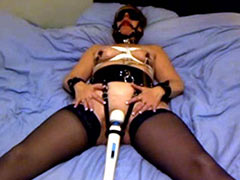 Slave gets her vagina excitation